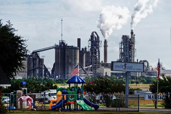 Holcim cement plant in Midlothian