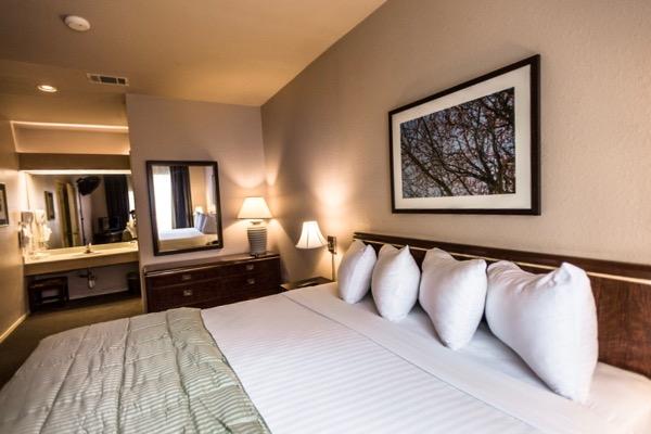 Habitat Suites bedroom