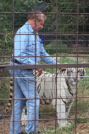 Louis Dorfman with white tiger at IEAS